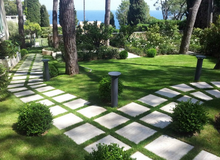 Garden Path Materials: Review, Comparison and Ideas | Home ... on Backyard Pathway Ideas id=89264