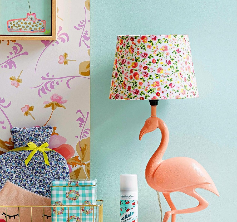 5-3-Flamingo-table-lamp-with-painted-metal-framework-and-fabric-lampshade-by-Sisters-Guild-floral-pattern-beautiful-home-textile-decor-accessories-summer-2017