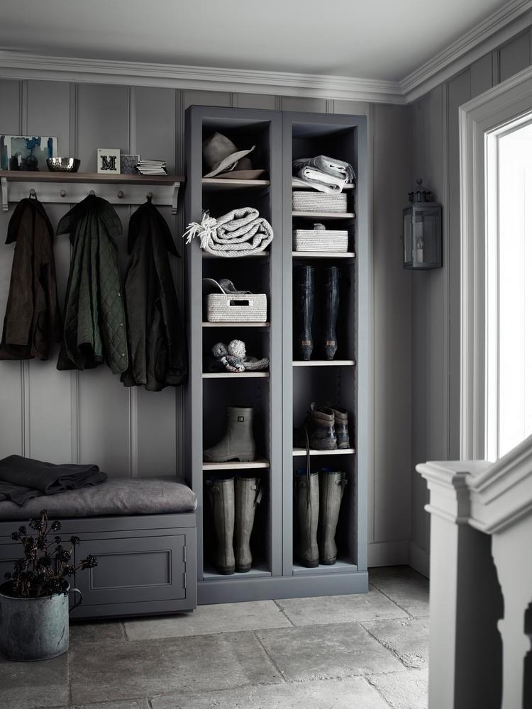 5-3-hallway-entry-room-entrance-hall-mudroom-interior-design-shoe-storage-ideas-cabinet-total-gray-bench-racks-wellington-high-boots-coat-racks-stripy-wallpaper