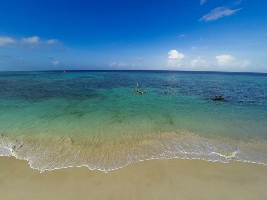 6-Manta-Resort-hotel-Tanzania-Pemba-Island-view-from-the-land