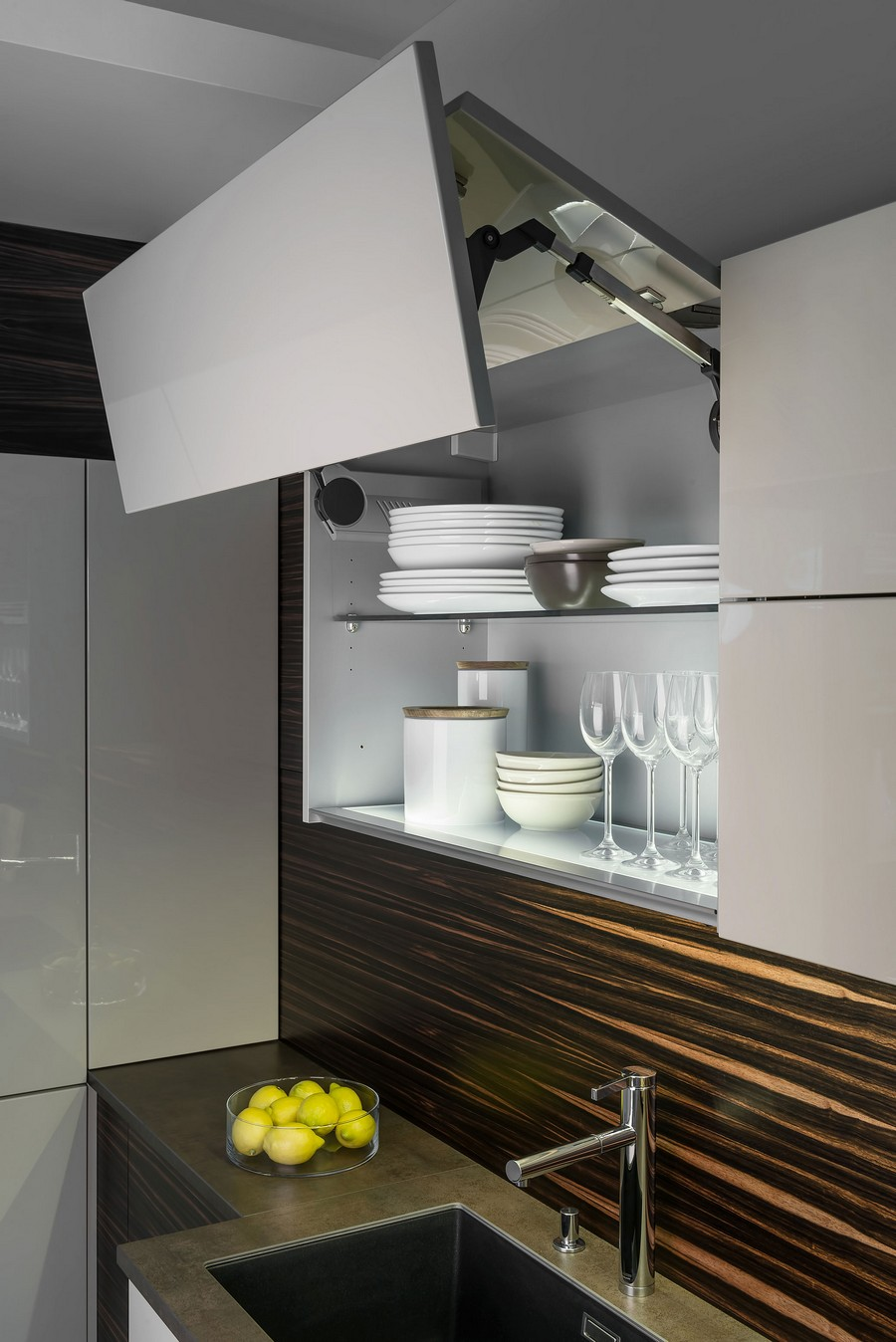 6-lift-up-wall-top-kitchen-cabinet-gray-faux-wood-backsplash-dark-base-cabinets-brown-worktop