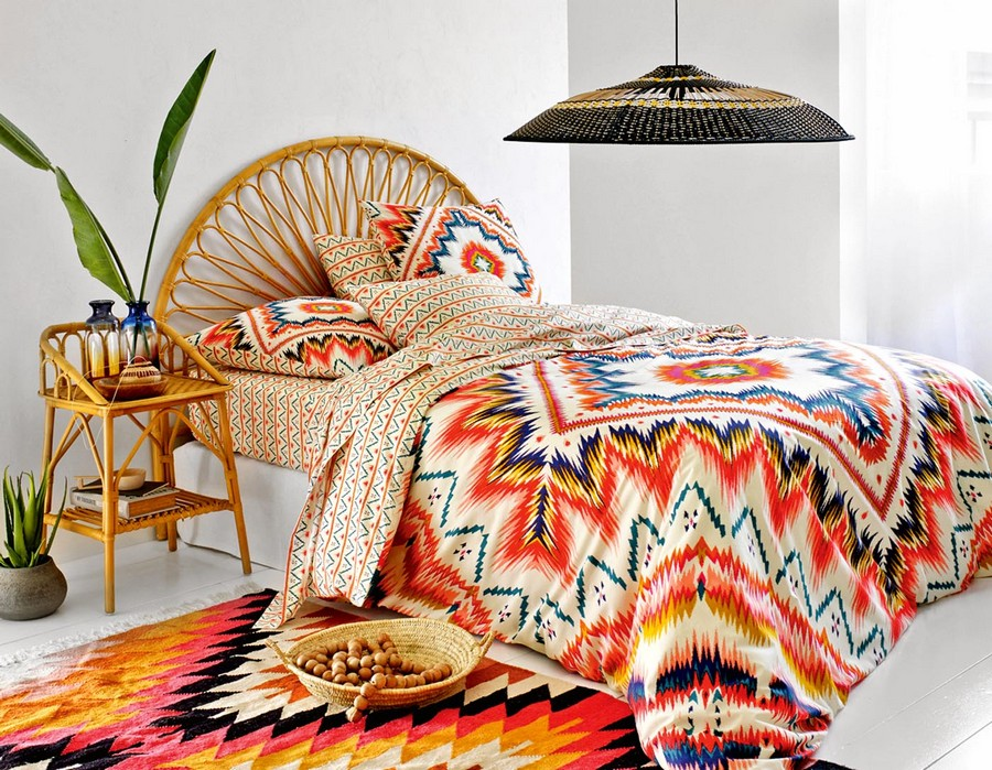 7-5-Eliota-bed-linen-set-inspired-by-ethnical-South-American-culture-motifs-beautiful-home-textile-decor-accessories-summer-2017