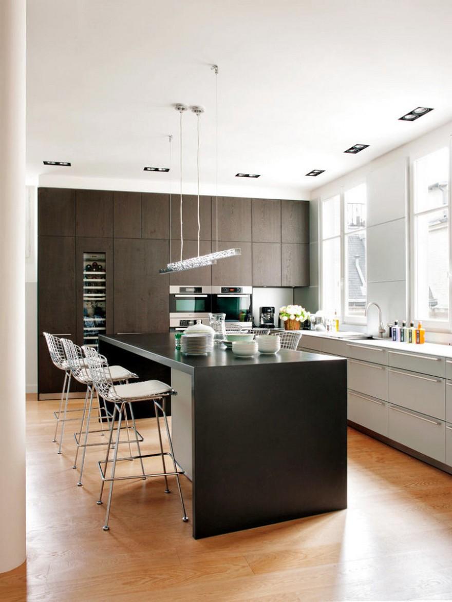 7-Paris-apartment-interior-design-contemporary-style-by-Stephane-Olivier-white-walls-kitchen-light-parquet-floor-black-cabinets-island-bar-stools-laconic-minimalistic-handleless-set-built-in-appliances