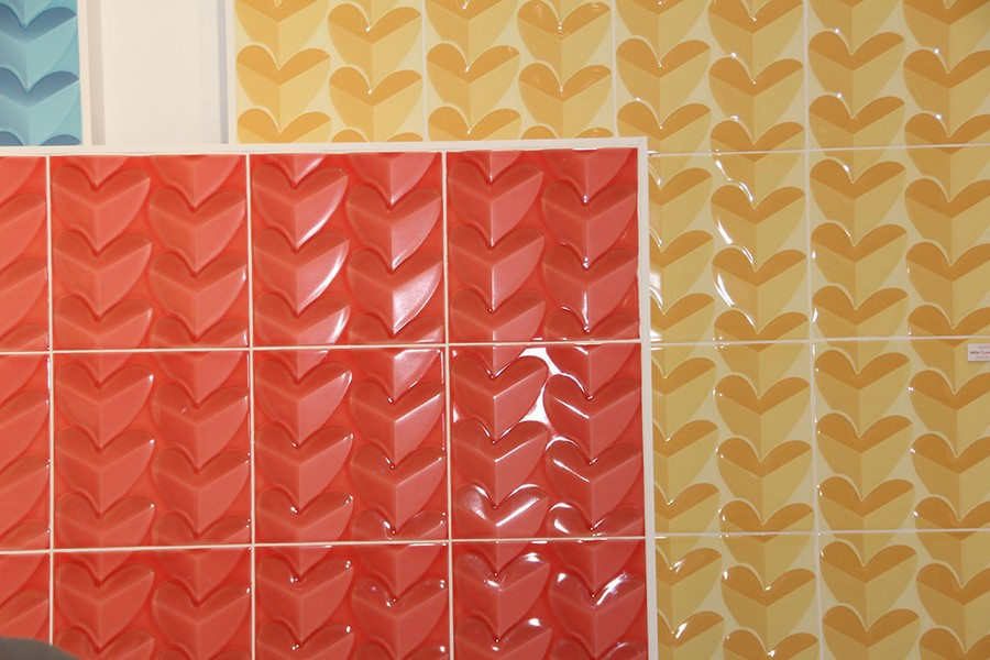9-9-ceramic-tiles-in-interior-design-bright-cheerful-red-yellow-blue-with-3D-effect-heart-pattern-Pamesa-brand-collection-2017