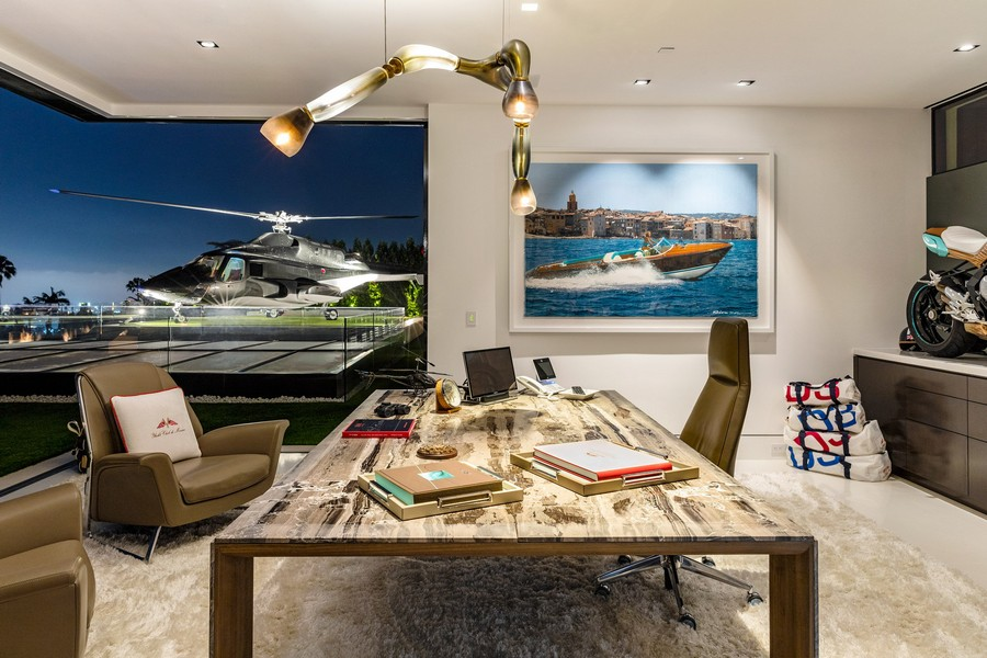 1-2-the-most expensive-home-in-USA-beyonce-jay-z-Los-Angeles-bel-air-luxurious-interior-design-study-work-area-helicopter-helipad-chopper-roof-terrace