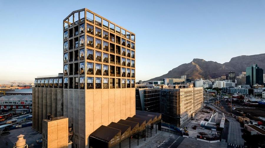 2-1-remade-building-in-South-Africa-Cape-Town-Royal-Portfolio-Hotel-ex-grain-elevator-exterior-convex-windows