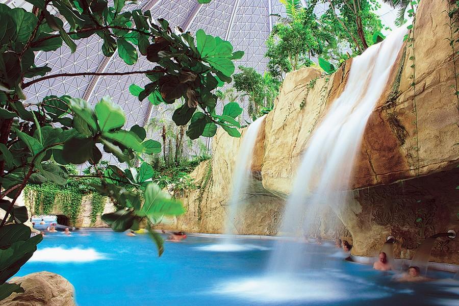 2-2-das-tropical-island-resort-germany-indoor-water-park-waterfall-swimming-pool-palms