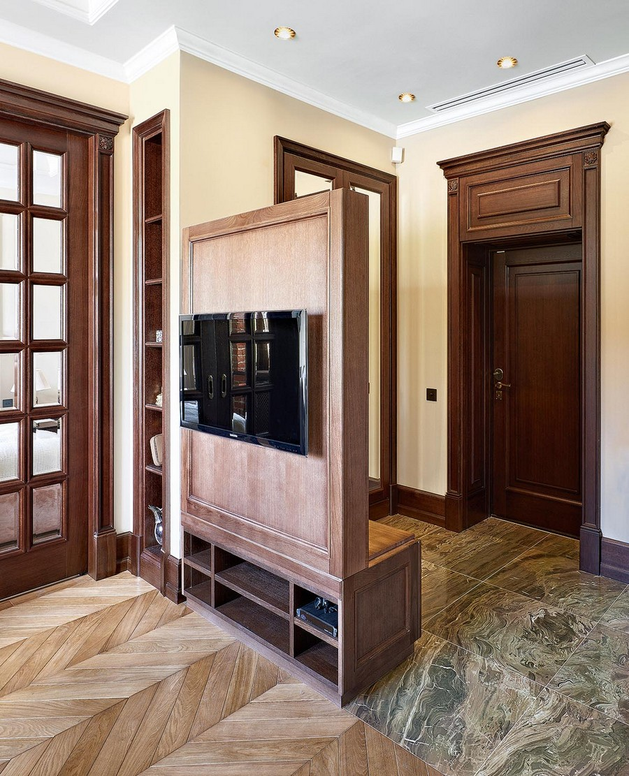 2-2-one-room-apartment-interior-design-ideas-mudroom-entrance-zone-room-divider-coat-rack-shoe-bench-wall-mounted-TV-double-sided-furniture-hallway-brown-wooden-doors