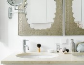 How to Add Oriental Motifs to a Contemporary-Style Bathroom?