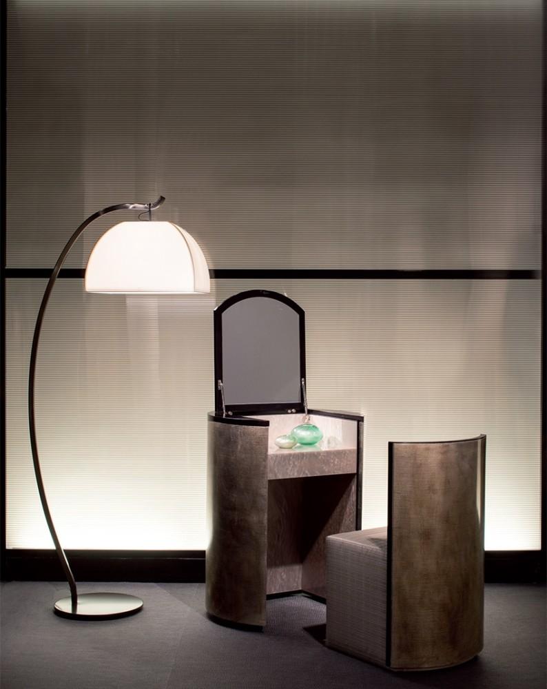 4-1-Giorgio-Giorgio-Armani-Casa-furniture-design-luxurious-interior-natural-stone-dressing-table-minimalis-style-floor-lamp