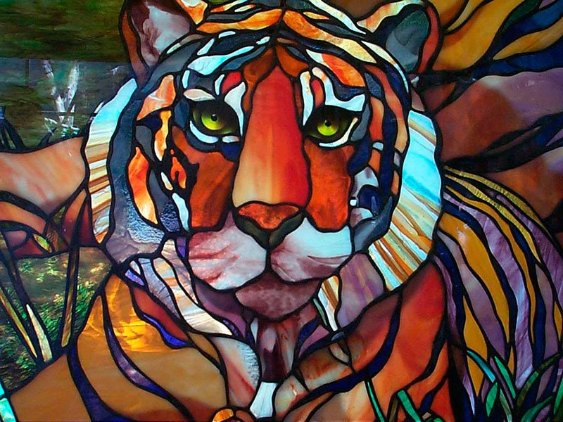 4-2-beautiful-amazing-stained-glass-in-interior-design-by-Tiffany-tiger