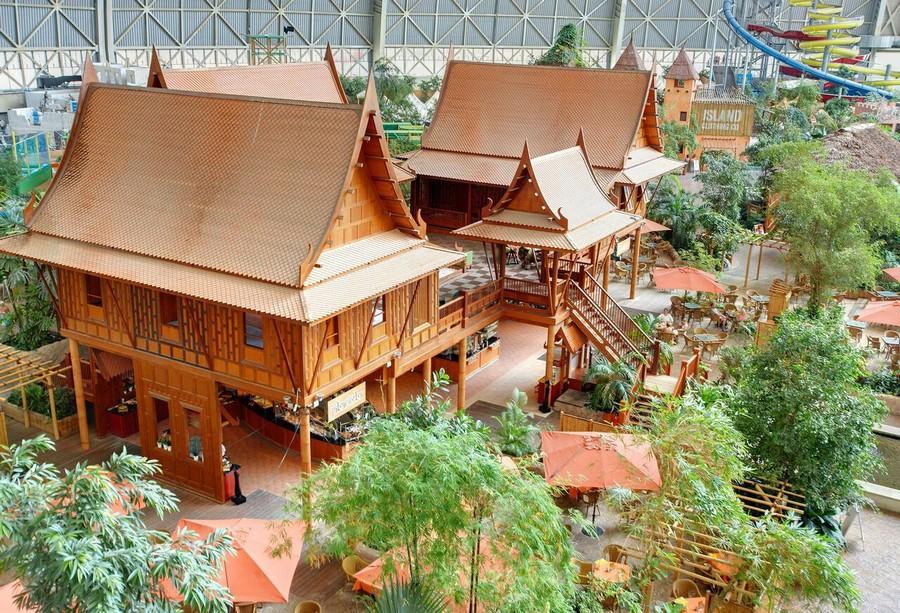 4-2-das-tropical-island-resort-germany-indoor-water-park-thailand-thai-huts-houses-bar-restaurant