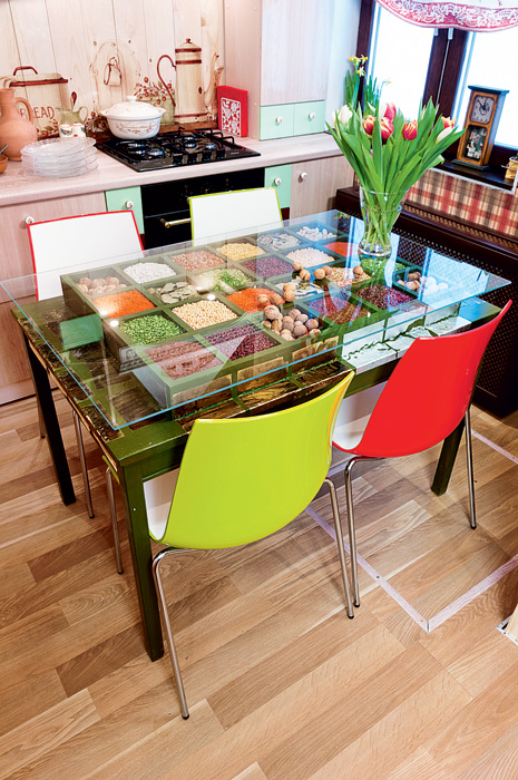 5-country-rural-rustic-style-kitchen-interior-design-with-folk-motifs-total-wood-cabinets-worktop-tempered-glass-backsplash-digitally-printed-glass-dining-table-red-green-accents-tulips-radiator-cover