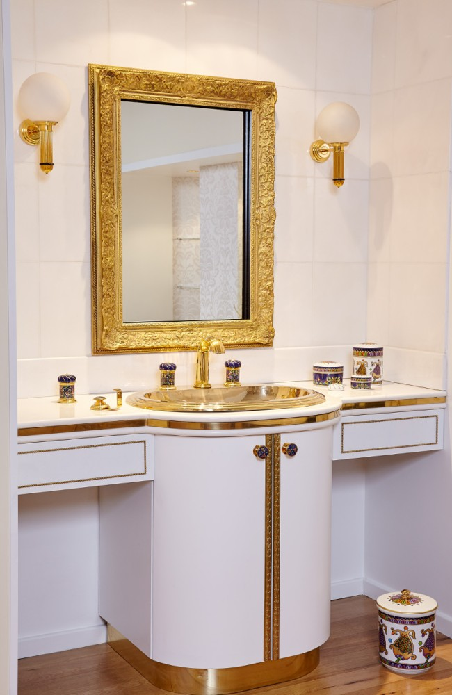 8-Vassilissa-bathroom-collection-Serdaneli-France-in-Russian-style-accessories-by-Evgenia-Miro-gold-dark-blue-folk-motifs-luxurious-wash-basin-vanity-unit-countertop-mirror-wall-lamps-sconces-boxes-porcelain