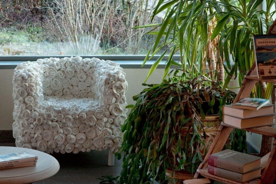 1-1-zero-waste-target-production-of-furniture-from-recycled-waste-13-Ricrea-Italy-white-floral-arm-chair-roses