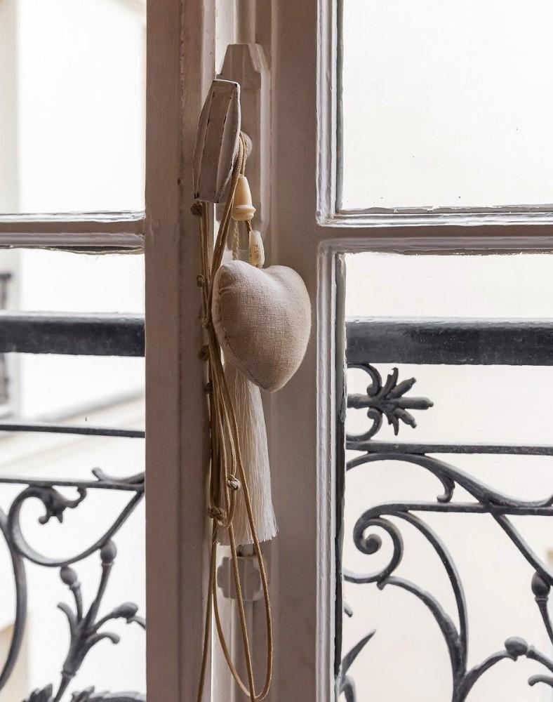 1-3-home-decor-heart-textile-wrought-railings