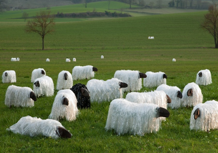 1-3-zero-waste-target-production-of-furniture-from-recycled-waste-13-Ricrea-Italy-sheep-shaped-ottomans-seats-benches