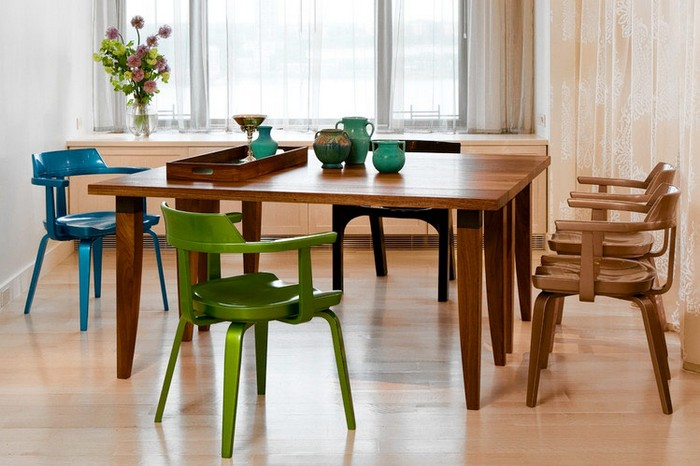 1-4-mismatched-chairs-in-kitchen-dining-room-interior-design-one-model-in-different-colors