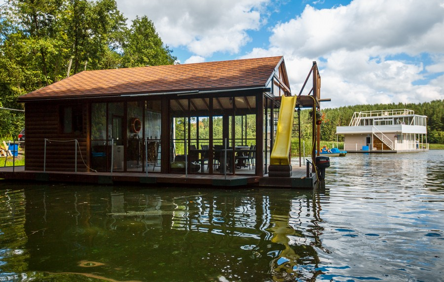 1-float-house-sailing-house-houseboat-exterior-design