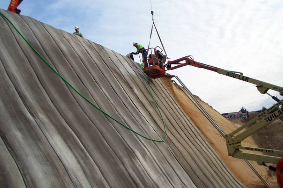 2-concrete-canvas-cloth-flexible-concrete-material-in-construction-industry-mining-slope-protection