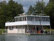 A Real Houseboat: How Is It Equipped Inside and Outside?