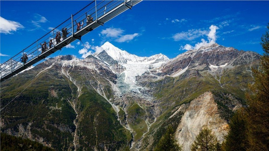 3-The-World's-Longest-Pedestrian-Only-Suspension-Bridge-Opened-in-Switzerland-Europabruecke-in-the-Alps-abyss
