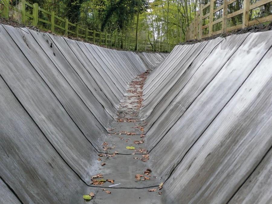 3-concrete-canvas-cloth-flexible-concrete-material-slope-water0drain-protection-soil-erosion