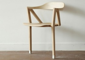 3-inactivite-by-benoit-malta-chair-on-two-legs-light-wood-inconvenient-design-of-office-chair