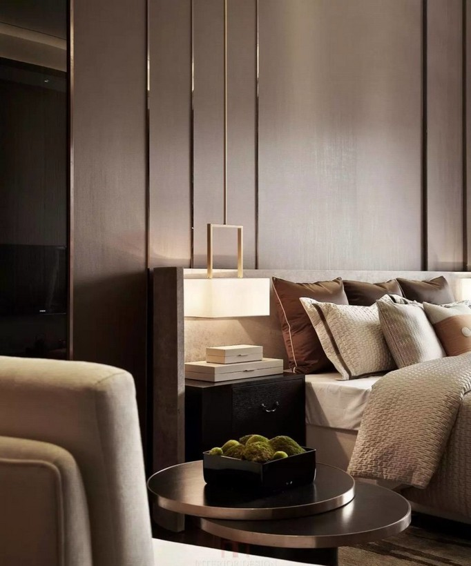 4-2-MDF-panels-boards-in-interior-design-wall-decoration-decor-beige-and-brown-bedroom-interior-design-contemporary-style-nightstand-pendant-brass-lamp-coffee-table