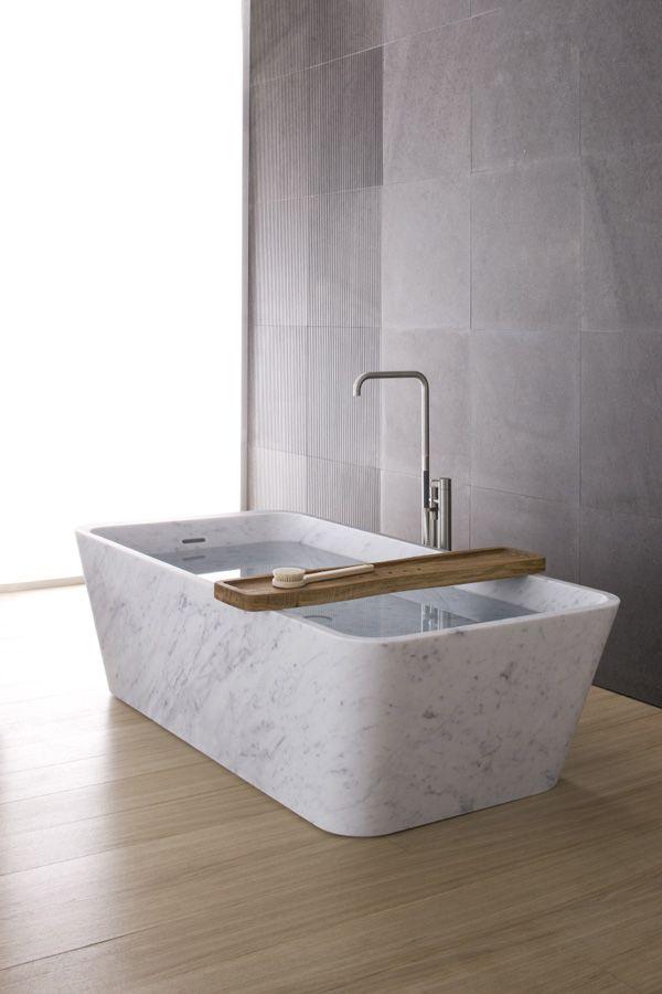 6-2-minimalism-minimalist-style-interior-design-decor-gray-walls-bathroom-white-marble-bath-bathtub-free-standing-geometrical-wall-pattern-decor