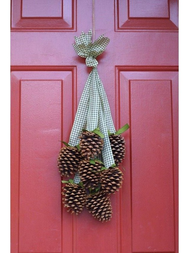 11-2-pinecones-pine-fir-spruce-cones-home-decor-Christmas-decoration-ideas-eco-style-red-entrance-door-ribbons