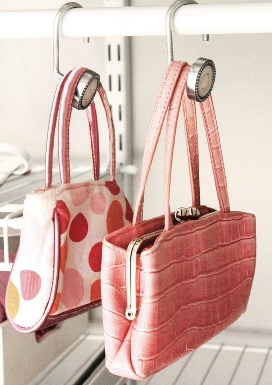 2-hand-bag-storage-ideas-hooks-railing-closet