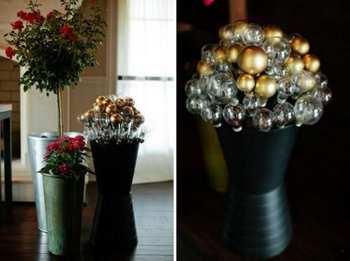 4-old-light-bulbs-recycling-reuse-ideas-DIY-handmade-Christmas-decorations-home-decor-bouquet-golden-glitter