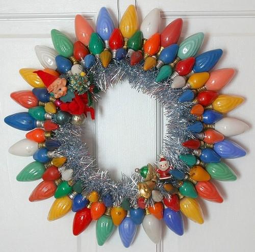 9-old-light-bulbs-recycling-reuse-ideas-DIY-handmade-Christmas-decorations-multicolor-colorful-door-wreath