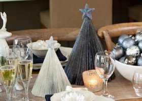 00-DIY-mini-Christmas-tree-for-table-setting-from-an-old-magazine-recycling-idea-remake