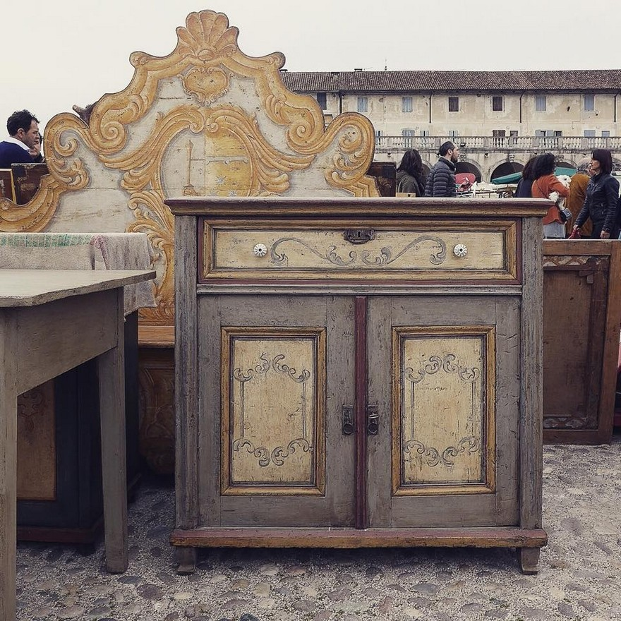 2-4-European-Italian-flea-market-photo-items-sale-antiquities-antique-furniture-chest-of-drawers-with-painted-doors-carved-headboard