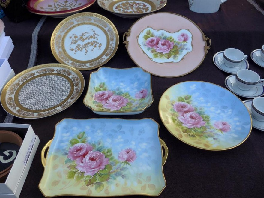 2-6-European-Italian-flea-market-photo-items-sale-antiquities-beautiful-pastel-serving-plates-dishes-tableware-porcelain