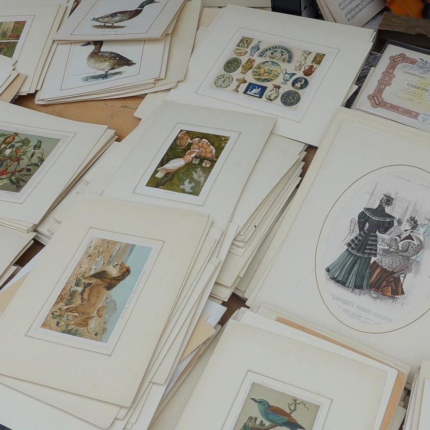 4-3-European-Italian-flea-market-photo-items-sale-antiquities-pictures