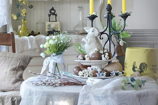 1-Easter-table-setting-ideas-table-decoration-spring-motifs-eco-style-porcelain-bunny-yellow-candles-candlestick-willow-branches